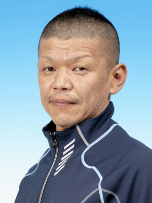 吉 永  泰 弘