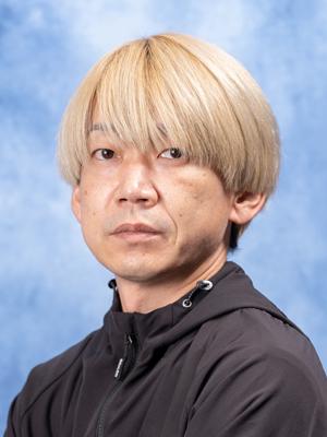 内 田    圭