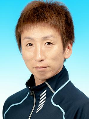 吉 田  慎二郎