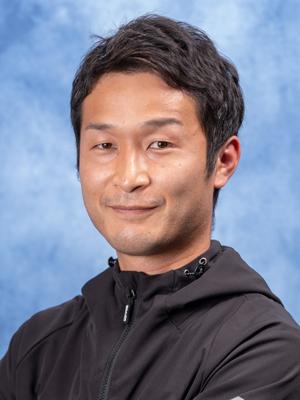 岡 村  慶 太